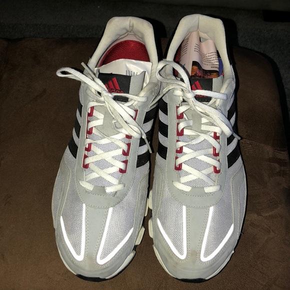 Le adidas f2011 taglia 12 poshmark